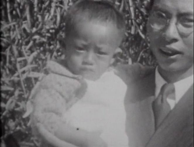 Tainan family scenes.